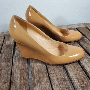Kate Spade Tan Patent Leather Wedges 7 1/2